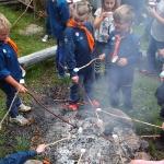 Många korvar hamnade i elden så vi fick grilla marshmallows