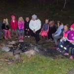 Eleonor pratar om Världens Barn med scouterna