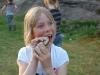 Matilda är superfokuserad på sitt pinnbröd