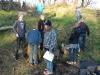 Juniorerna organiserar sig för att samla blommor och löv